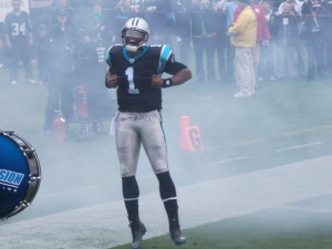 After spending hours at the gym and on the field, Cam Newton has one of the best NFL bods. You might need to go in for calf implants. (Image courtesy Pantherfan11 on Wikipedia via CC BY-SA 3.0)